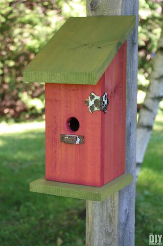 DIY Birdhouse by The DIY Dreamer