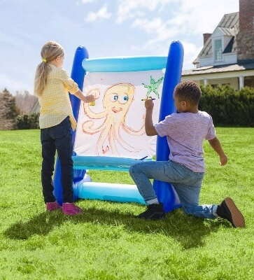 HearthSong Heavy-Duty Vinyl Indoor and Outdoor Easel for Kids