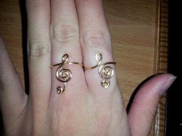 Treble Clef Wire Ring by Karen Lei