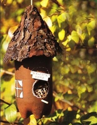 Plastic Bottle Bird Feeder by Fave Crafts