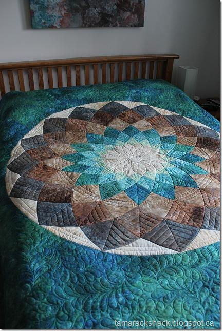 free giant dahlia quilt pattern