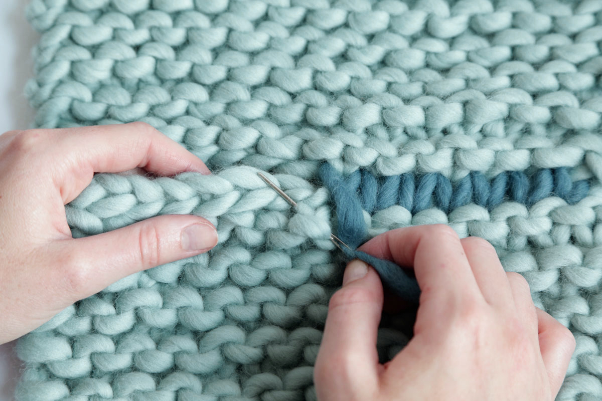 how to sew a knitted sweater together