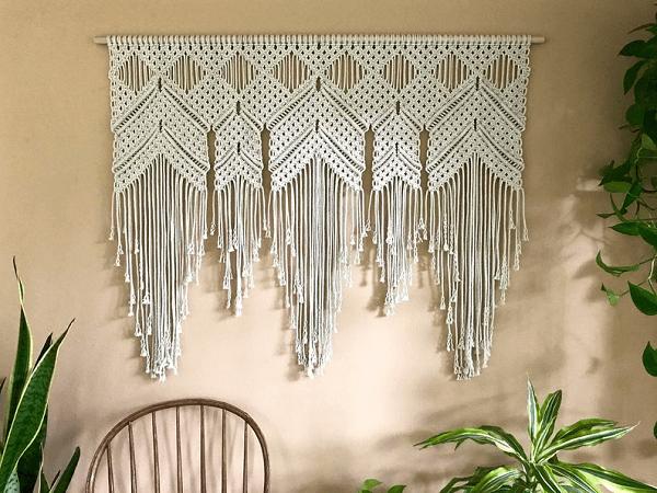 Macrame Diamond Drop Wall Hanging Pattern by Bermuda Dream
