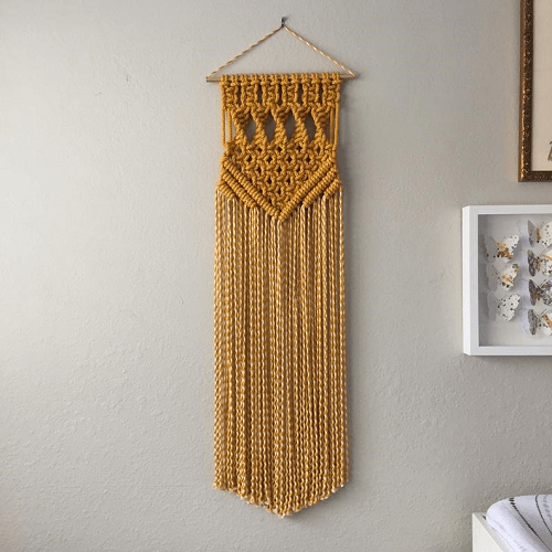 Macrame Wall Hanging Pattern by Reform Fibers