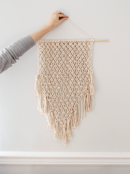 Macrame Wall Hanging Pattern by Hellonest