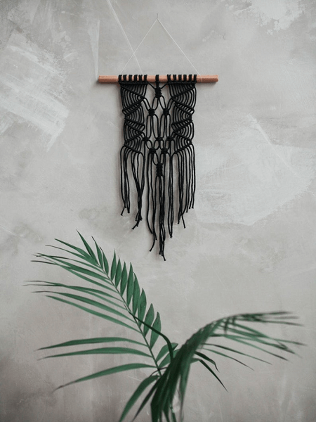 Modern Macrame Wall Hanging Pattern by Knot and Living