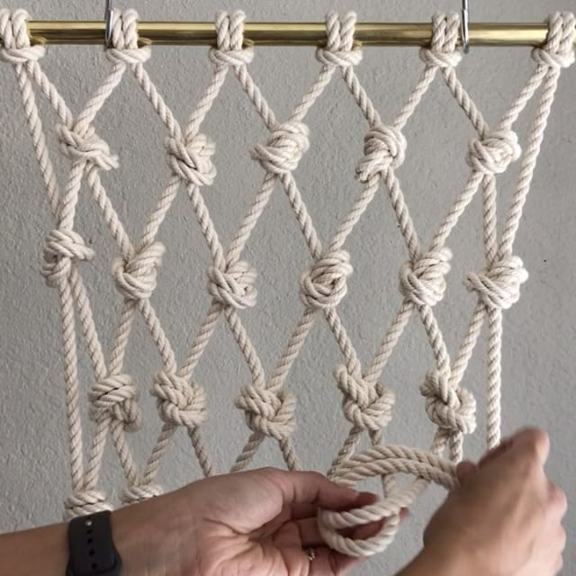 overhand knot basic macrame knot patterns