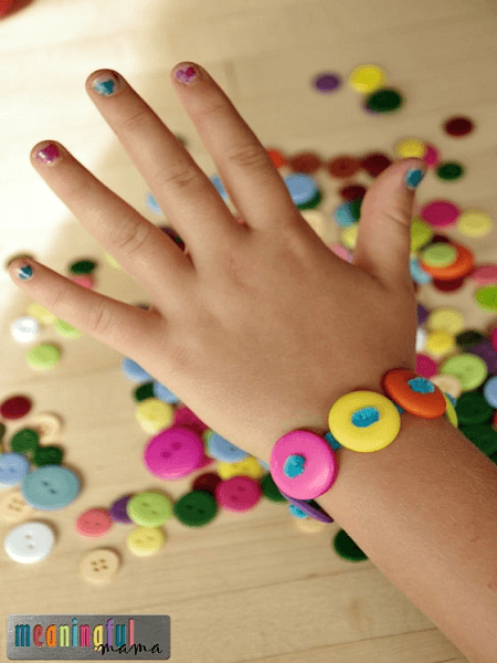 Pipe Cleaner Button Bracelets by Meaningful Mama