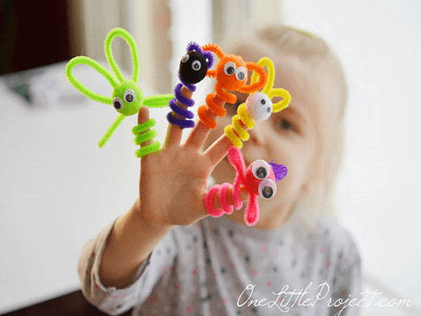 Pipe Cleaner Finger Puppets by One Little Project
