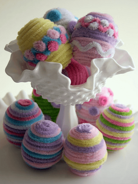Pipe Cleaner Fuzzy Easter Eggs by Pajama Crafters