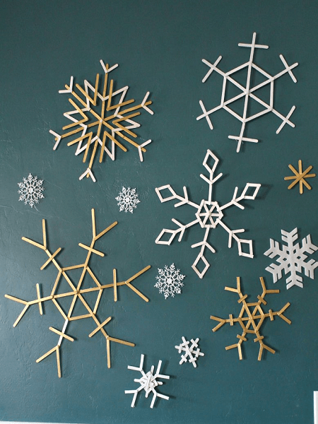 Popsicle Sticks Snowflakes by A Girl And A Glue Gun