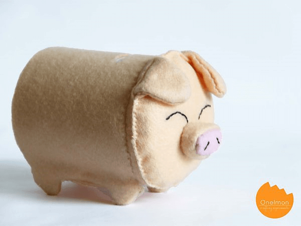 DIY Felt Piggy Bank by Shelterness