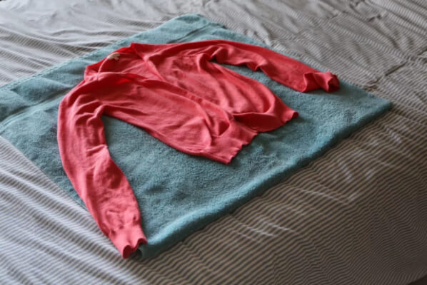 How To Dry and Stretch Wool Clothing