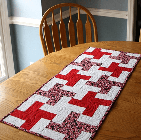 Simple Pinwheel Quilted Table Runner Pattern by Abyquilts