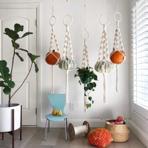 Easy Macrame Plant Hanger Pattern by ReformFibers