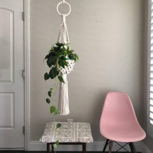 Easy Macrame Plant Hanger Pattern by ReformFibres