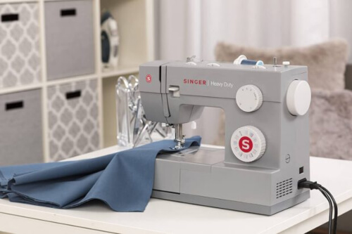 What is a Heavy Duty Sewing Machine