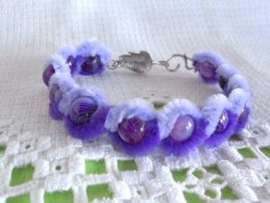 BEADED BRACELET FLOWER PIPE CLEANER TUTORIAL BY CREATETHEDECOR