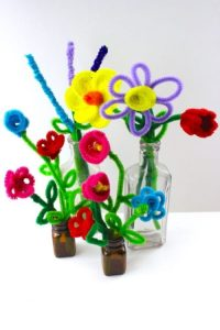 EASY PIPE CLEANER FLOWERS BY NICOLE AUSTIN