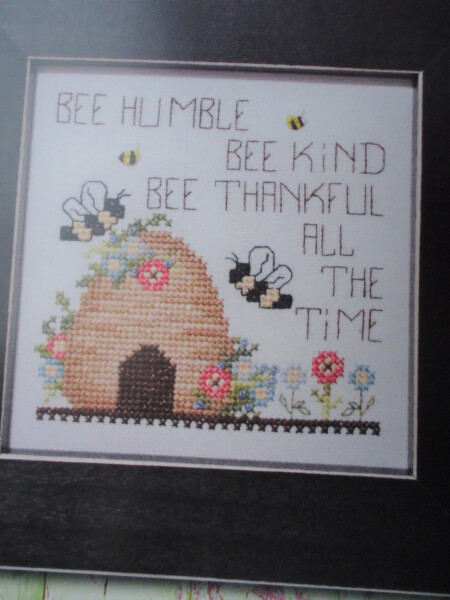 Bee Thankful Stoney Creek Collection Cross-Stitch Pattern
