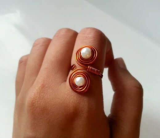 DIY Beaded Swirly Ring by Instructables
