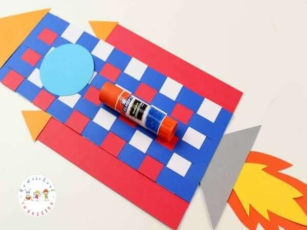 Easy Paper Weaving Rocket Craft by Homeschool Preschool