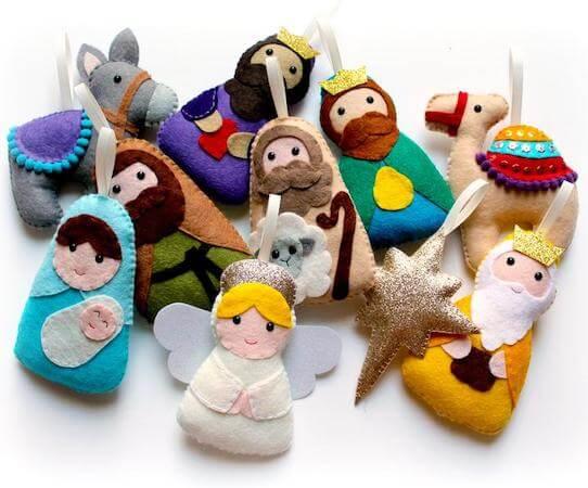 Felt Nativity Garland by Polly Chrome Crafts