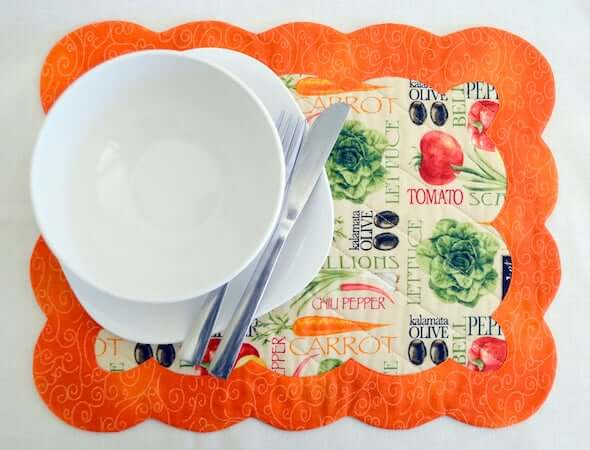 Scallop Edge Quilted Placemat Pattern by Pattern Pal