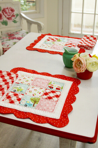 Scalloped Nine Patch Placemat Quilt Pattern by Flamingo Toes