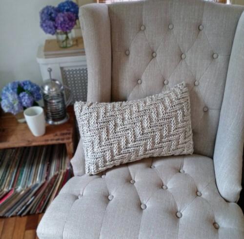 Easy Knit Pillowcase Pattern by BoPeepBonnets