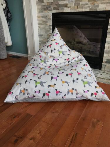 'Meringue' Pyramid Bean Bag Pattern by Dahliainbloom