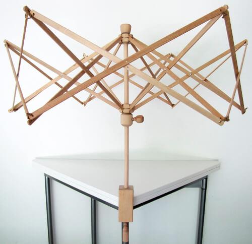 Stanwood Needlecraft Wooden Umbrella Swift