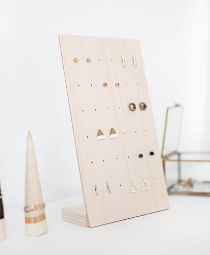 DIY Earring Stand by The Merry Thought