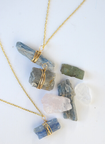 DIY Wire Wrapped Stone Necklace by Alice & Lois