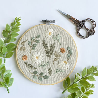 Daisy Medley Hand Embroidery Pattern by TheCraftyFoxKnotShop