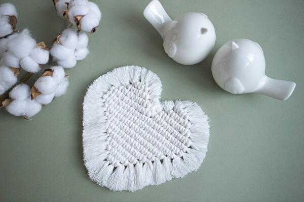 Heart Shape Macrame Coaster Pattern by FilettoArt