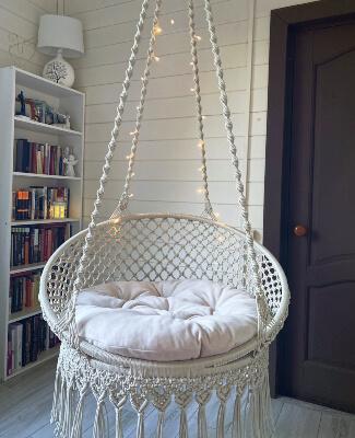 Macrame Swing with 2 Pillows by Zavyazka