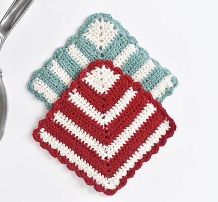 Crochet Potholder Pattern by The Spruce Crafts