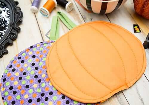 DIY Halloween Pumpkin Pot Holder Pattern by Coral & Co