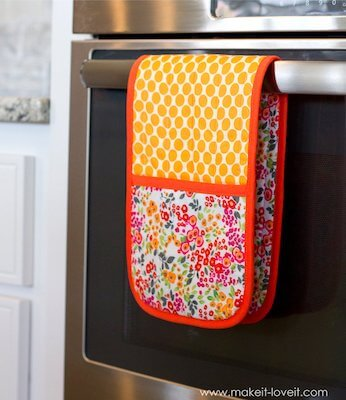 Double Pot Holder With Hand Pockets Pattern by Make It & Love It