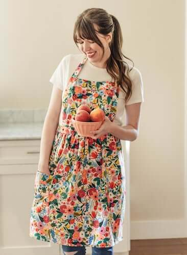 Easy Apron Sewing Pattern by Bouquet Clothing