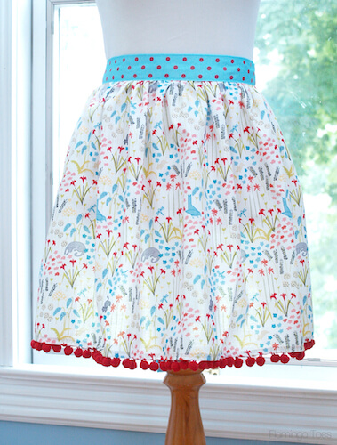 Easy DIY 30 Minute Apron by Flamingo Toes