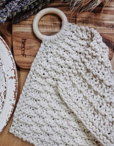 Farmhouse Potholder Knitting Pattern by Darling Jadore