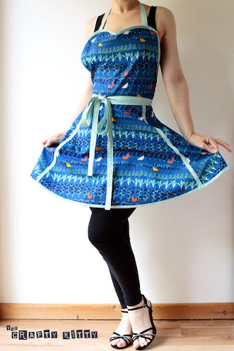 Free Retro Apron Sewing Pattern by Crafty Kitty