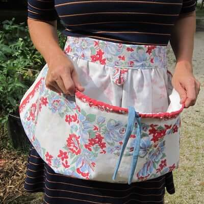 Garden Apron Sewing Pattern by Sweater Doll