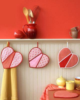 Heart Shaped Potholders Pattern by Purl Soho