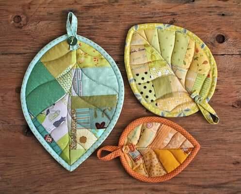 Leaf Potholder Pattern by Patchwork Pottery