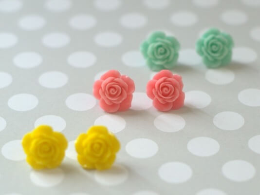 Quick And Easy Spring Rose Flower Earrings by Style On Main