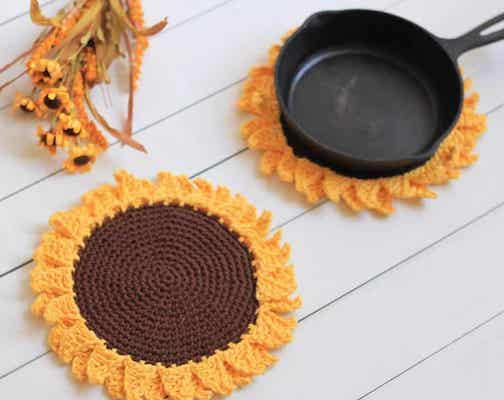 Sunflower Pot Holder Free Crochet Pattern by Nana's Crafty Home