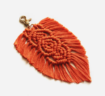 Macrame Feather Keychain Pattern by MacramelsLove